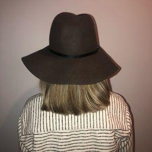 Accessories - 100% Wool Hat